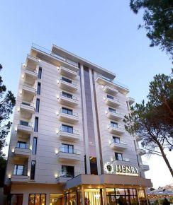 Henry Resort & Spa, Golem