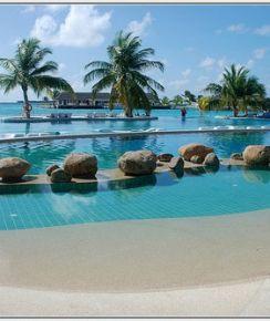 Holiday Inn Kandooma Resort