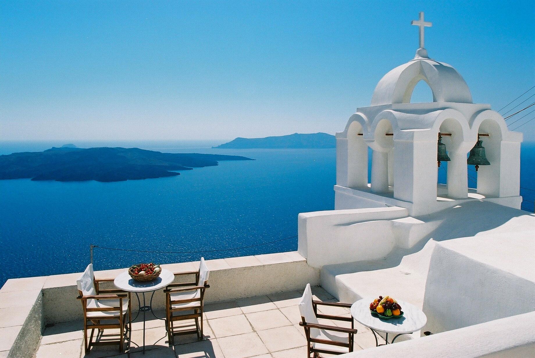 Остров Санторини - почивка с полет от София
